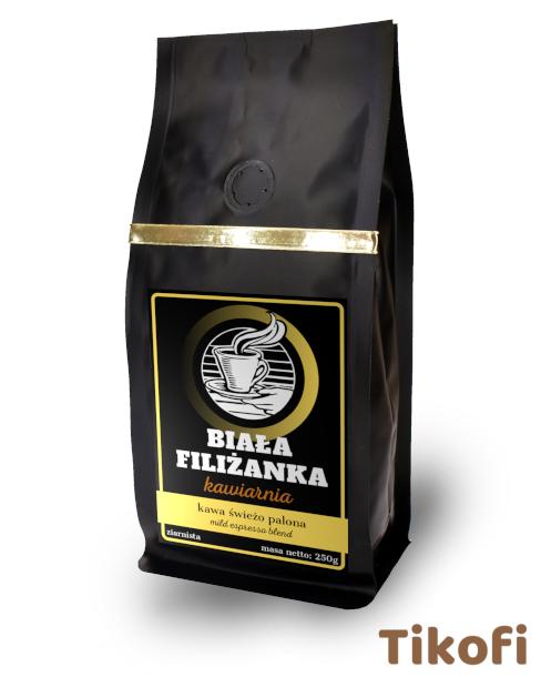 Kawa z logo kawiarni restauracji